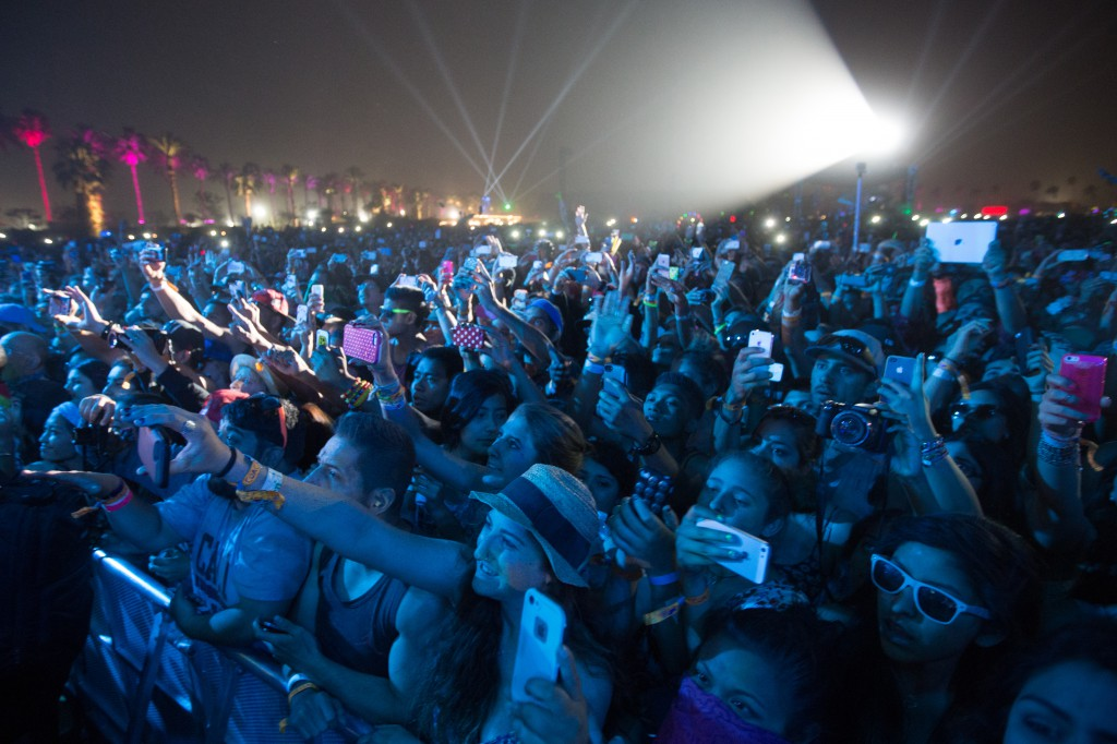 Crowd Taking Cell Photos for Pharrell at Coachella