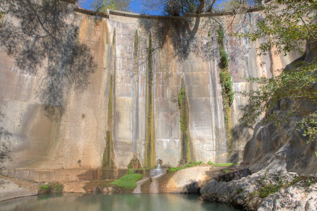 Dam in Arroyo Seco