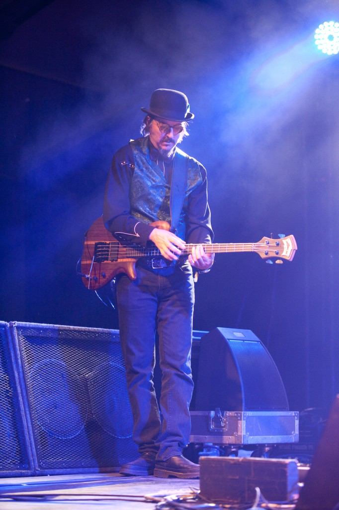 Les Claypool Finger Tapping Bass