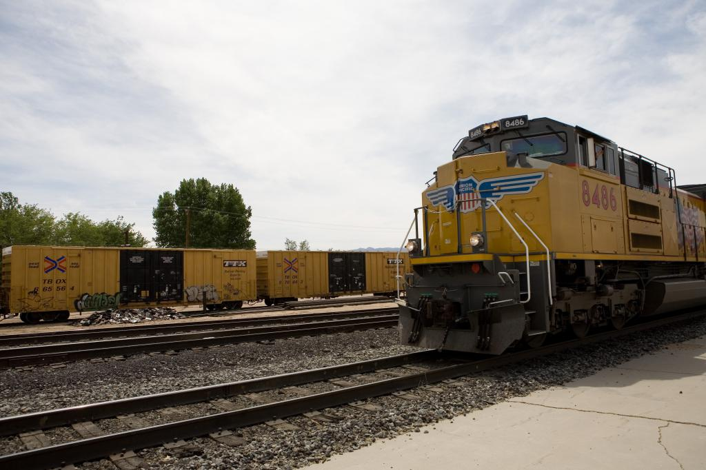 Union Pacific Engine 8486