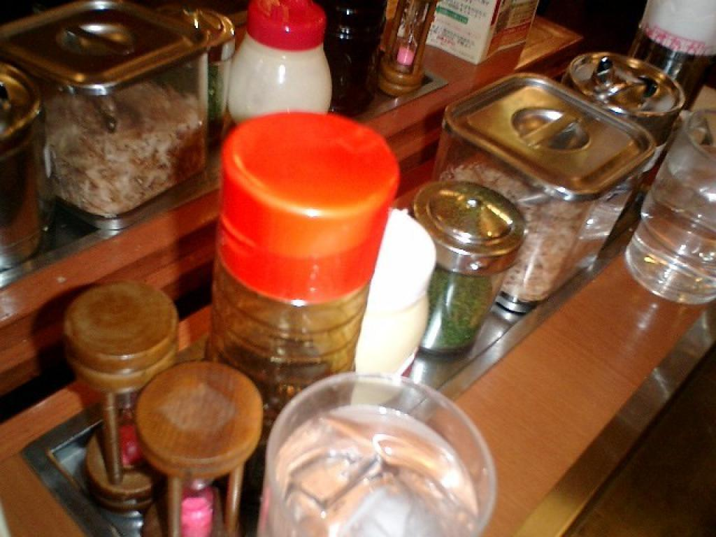 okonomiyaki timer, sauces, MAYO! and spices
