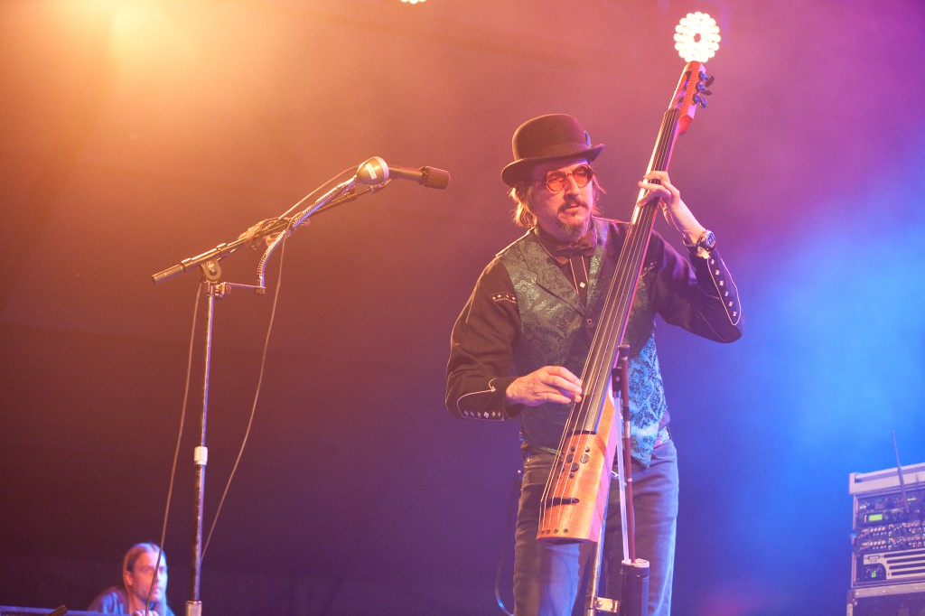 Les Claypool Standup Bass